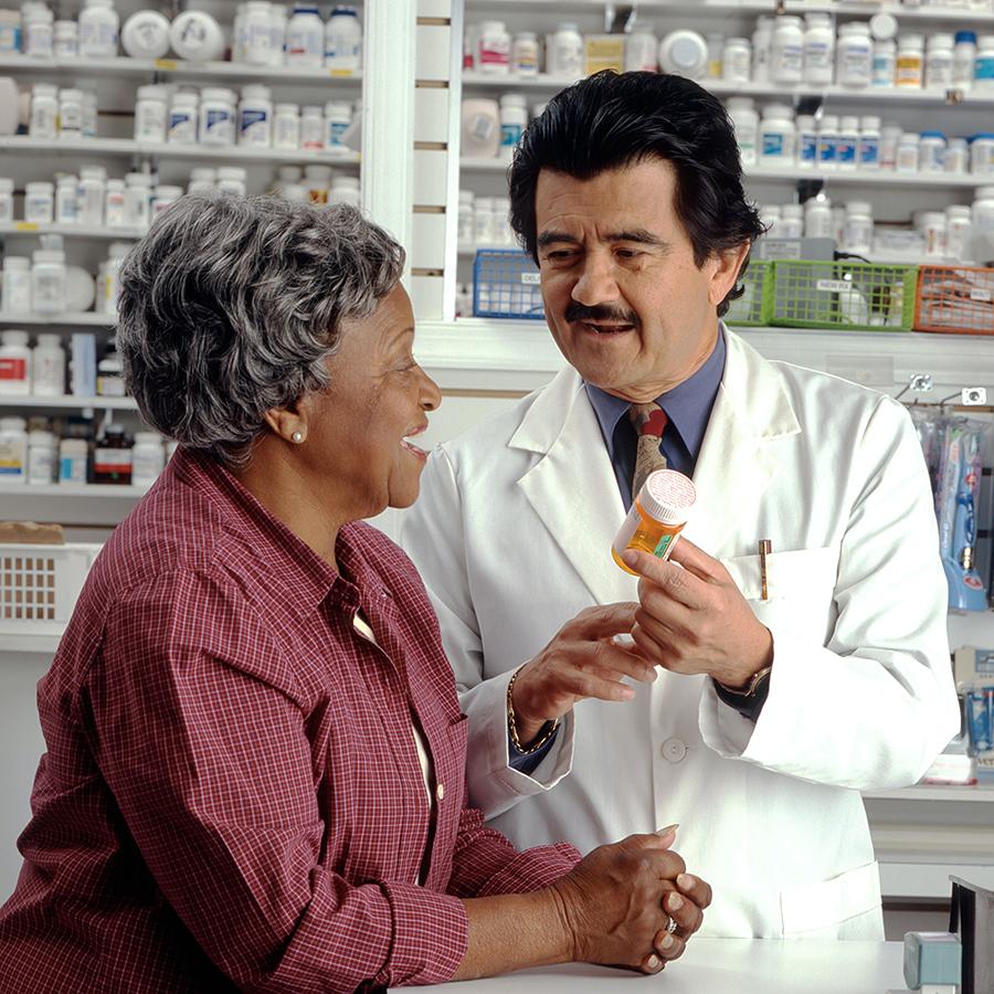 Старушка в аптеке