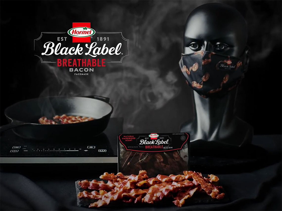 Маска Hormel Foods и Black Label Bacon