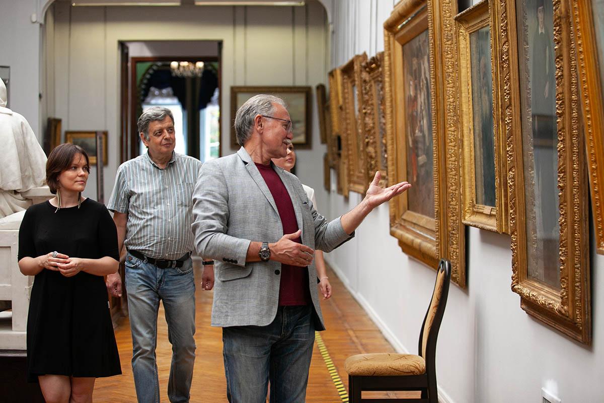Зал «Киевской картинной галереи»