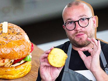 Бургер с лангустинами от шеф-повара Aleksander Yourz